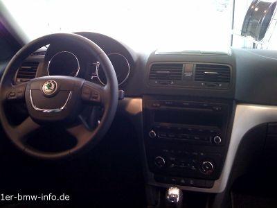 Das Cockpit des Yeti macht einen besseren ersten Eindruck als das des VW Tiguans!
